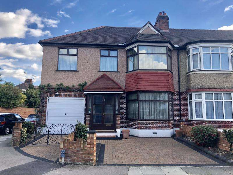 4 Bedrooms Semi Detached House for sale in Huxley Gardens
