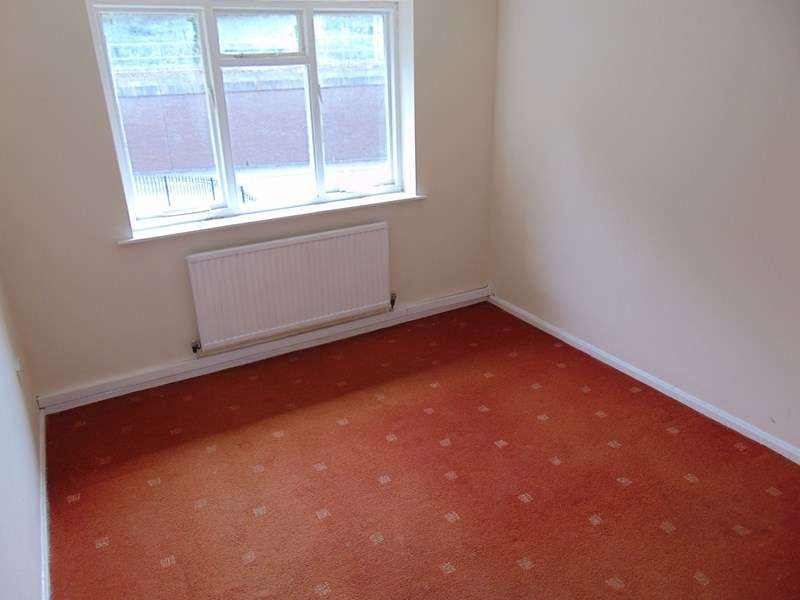 1 Bedroom Property for sale in Budle Close, Gosforth, Newcastle upon Tyne, Tyne and Wear, NE3 2NR