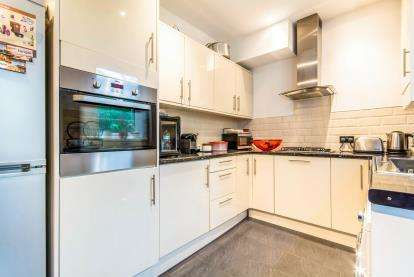 3 Bedrooms Terraced House for sale in Hale Lane, Failsworth, Manchester, Greater Manchester