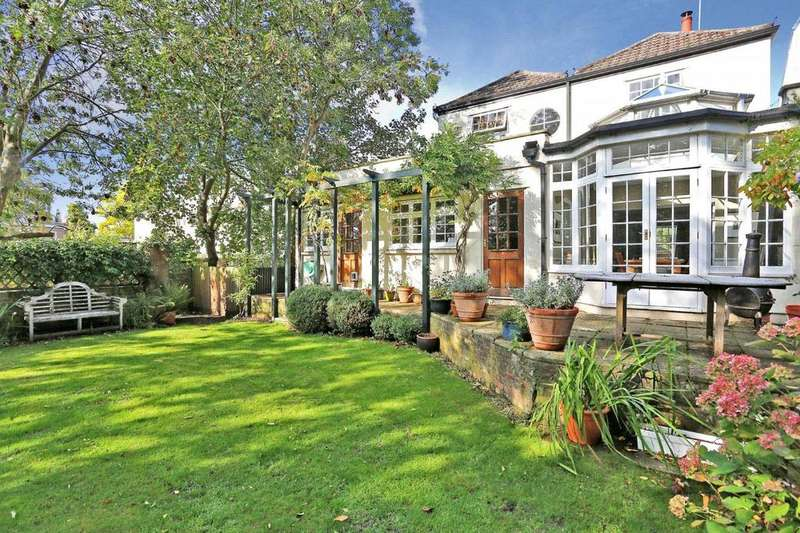 4 Bedrooms House for sale in Thames Street, Sunbury-On-Thames, TW16