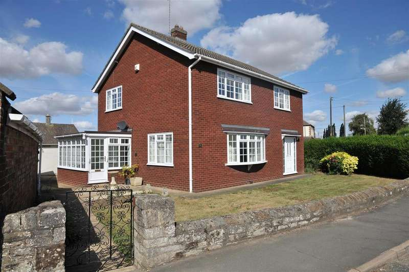 3 Bedrooms House for sale in Hall Street, Crowland, Peterborough