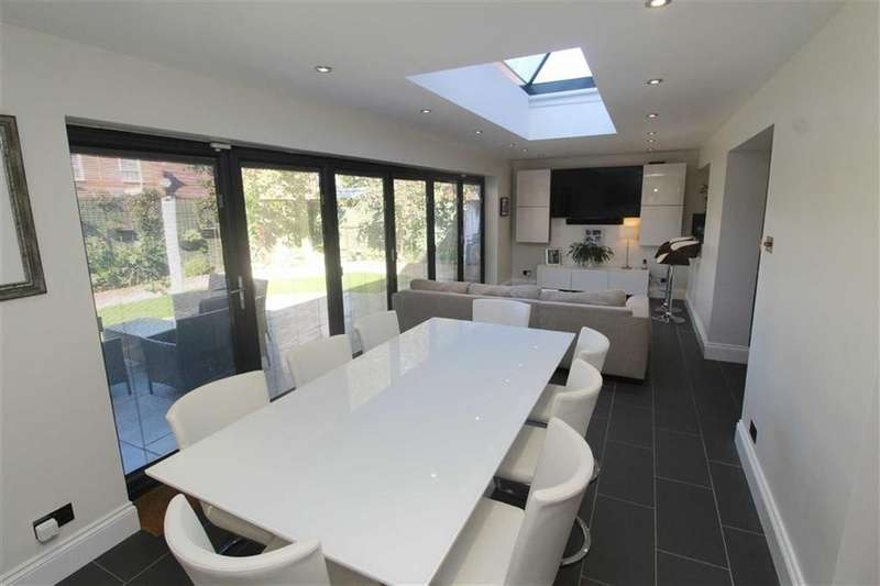 4 Bedrooms Detached House for sale in Wenning Lane, Emerson Valley, Milton Keynes, MK4