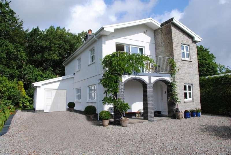 3 Bedrooms Detached House for sale in Llandeilo CARMARTHENSHIRE
