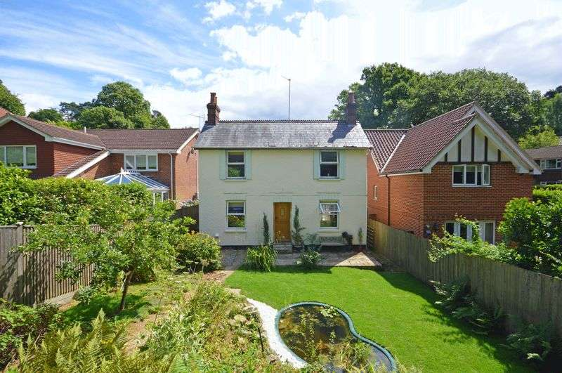 3 Bedrooms Property for sale in Beech Hill, Headley Down