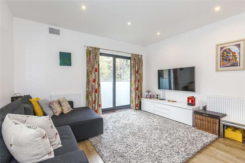 3 Bedrooms House for sale in Chiltonian Mews, London, SE13