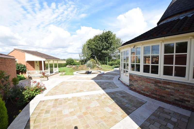 3 Bedrooms Detached House for sale in North Street, Roxby, Scunthorpe, DN15 0BL