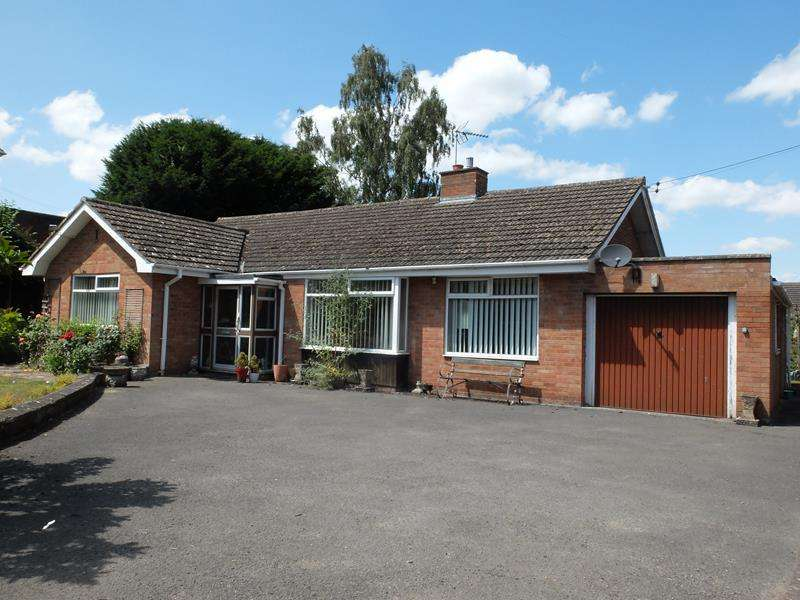 3 Bedrooms Bungalow for sale in Rosehill, 70 New Road, Bromyard, Herefordshire, HR7 4AN