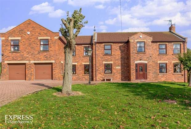 7 Bedrooms Detached House for sale in Filey Road, Gristhorpe, Filey, North Yorkshire