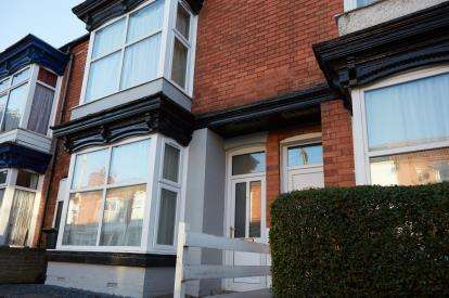 3 Bedrooms Terraced House for sale in Eastleigh Road, Leicester, Leicestershire, England