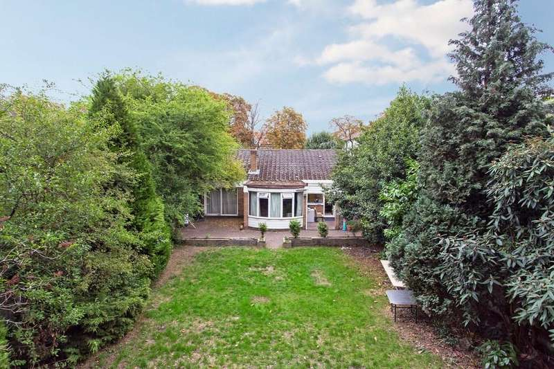 6 Bedrooms Detached House for sale in St. Mary's Avenue, Wanstead