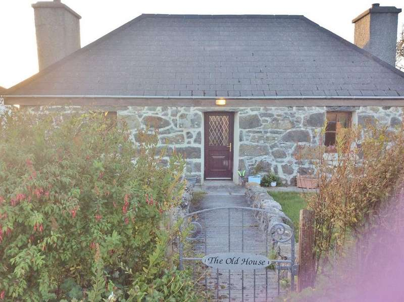 2 Bedrooms Detached House for sale in Old House