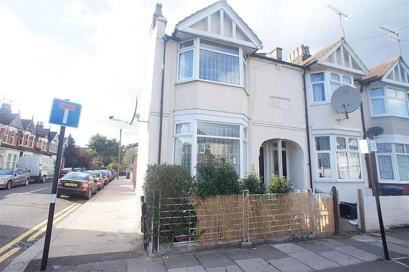 3 Bedrooms Semi Detached House for sale in Winchester Road, London