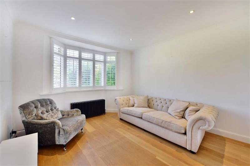 3 Bedrooms Semi Detached House for sale in Newark Way, Hendon, NW4