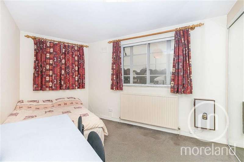 2 Bedrooms Flat for sale in Beaufort Park, Golders Green, NW11