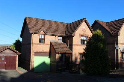 4 Bedrooms Detached House for sale in Littlemill Avenue, Blackwood