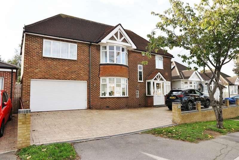 5 Bedrooms Detached House for sale in Barnehurst Avenue, Bexleyheath, DA7 6QD