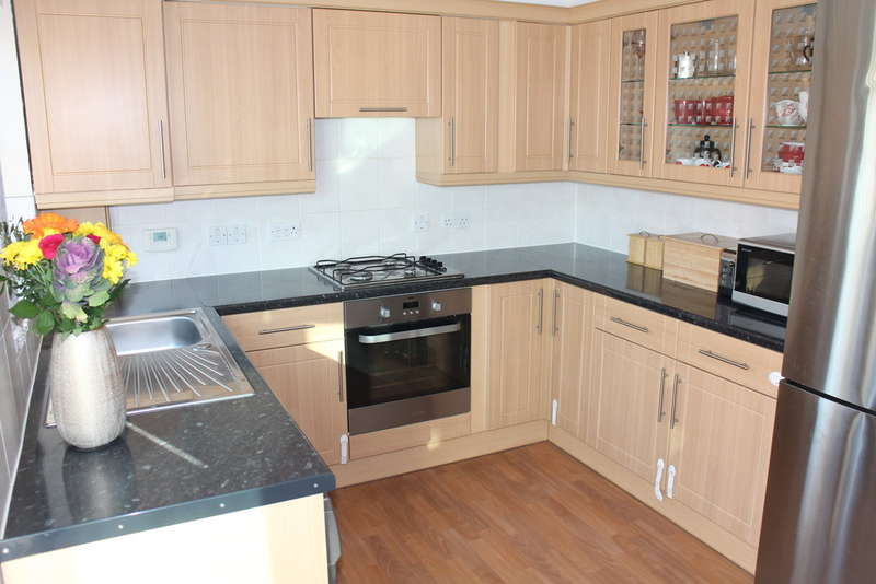 2 Bedrooms Terraced House for sale in Galleons Drive, Barking
