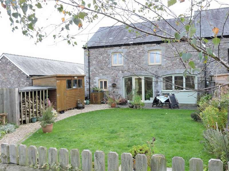 3 Bedrooms Cottage House for sale in Cefngornoeth, LLANGADOG