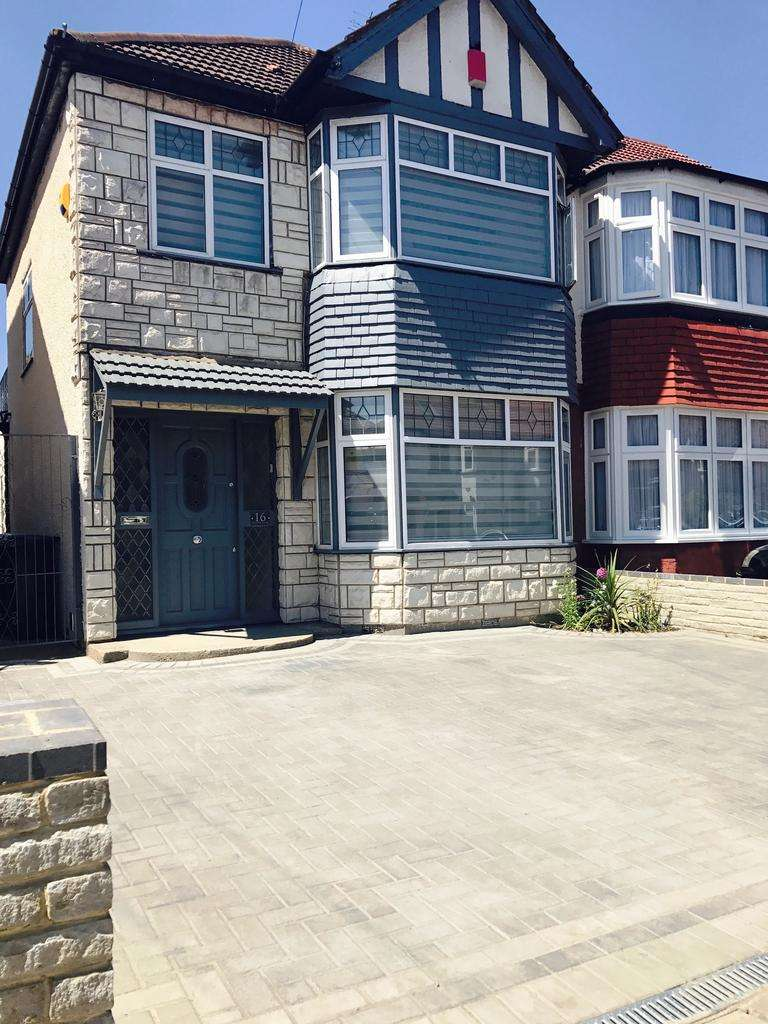 3 Bedrooms End Of Terrace House for sale in New Park Avenue , Palmers Green N13