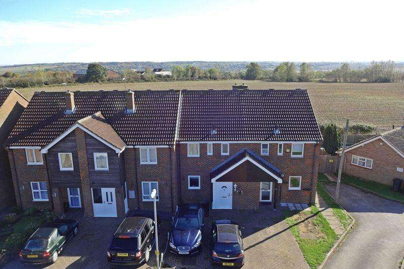 3 Bedrooms Terraced House for sale in Mount Pleasant Avenue, Toddington