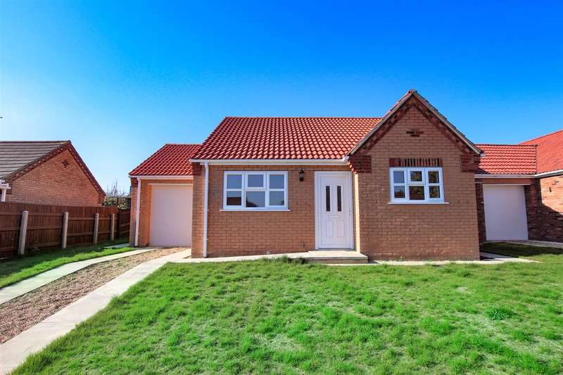 2 Bedrooms Bungalow for sale in Baggaley Drive, Horncastle