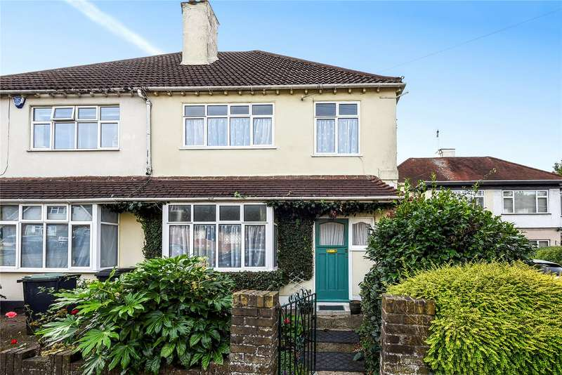 3 Bedrooms Semi Detached House for sale in Goldings Road, Loughton, Essex, IG10