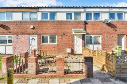 3 Bedrooms Terraced House for sale in Wainers Croft, Greenleys, Milton Keynes, Buckinghamshire
