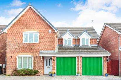 4 Bedrooms Detached House for sale in Connaught Drive, Thornton-Cleveleys, FY5