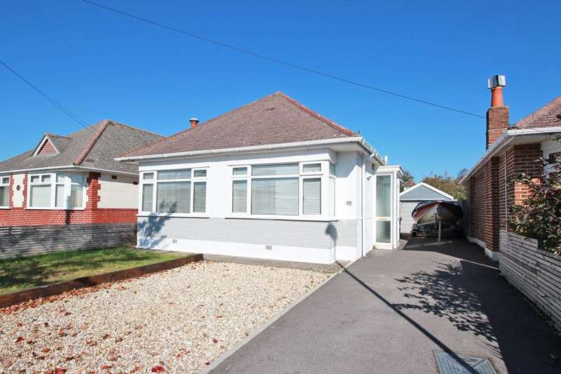 2 Bedrooms Bungalow for sale in Lingwood Avenue, Mudeford, Christchurch