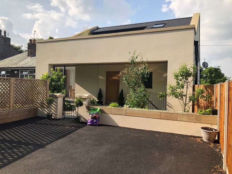 4 Bedrooms Detached House for sale in Moss Bank Way, Bolton
