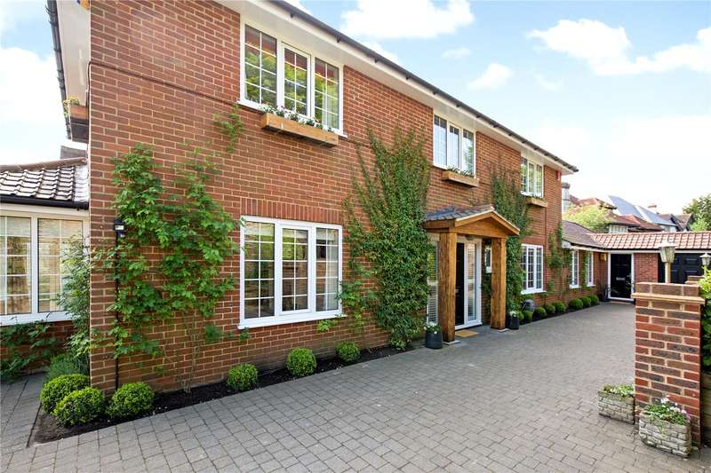 5 Bedrooms Detached House for sale in Woodruff Avenue, Hove, East Sussex, BN3