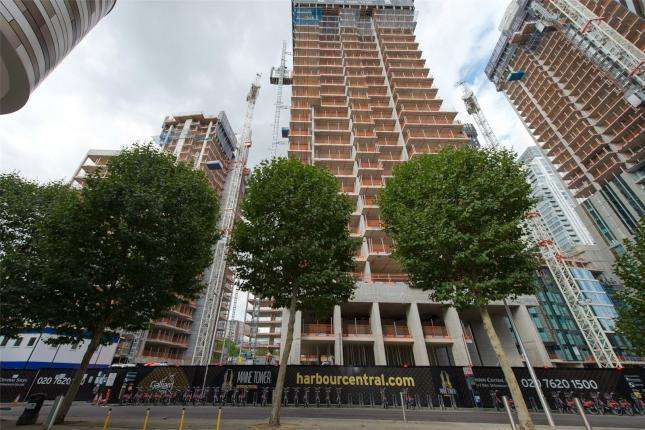 2 Bedrooms Flat for sale in Maine Tower, Canary Wharf, London, E14 9WT