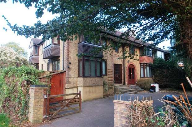 3 Bedrooms Terraced House for rent in Folly Lane, St Albans, Hertfordshire