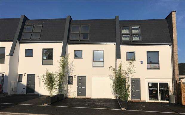 4 Bedrooms Town House for sale in Lansdown Villas, Church Road, St. Marks, CHELTENHAM, Gloucestershire, GL51 7AN