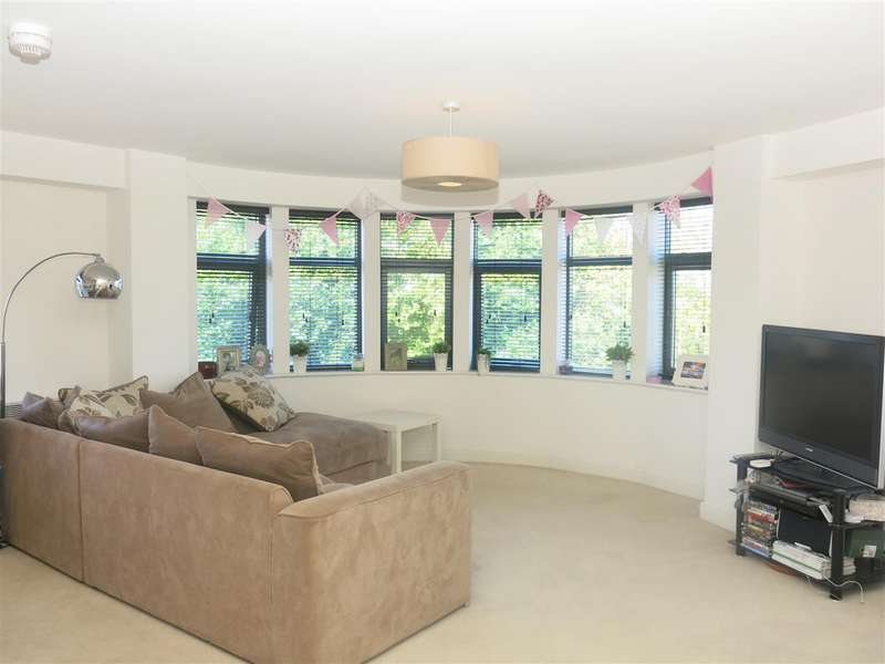 2 Bedrooms Apartment Flat for sale in Lion Court, Warstone Lane, Birmingham