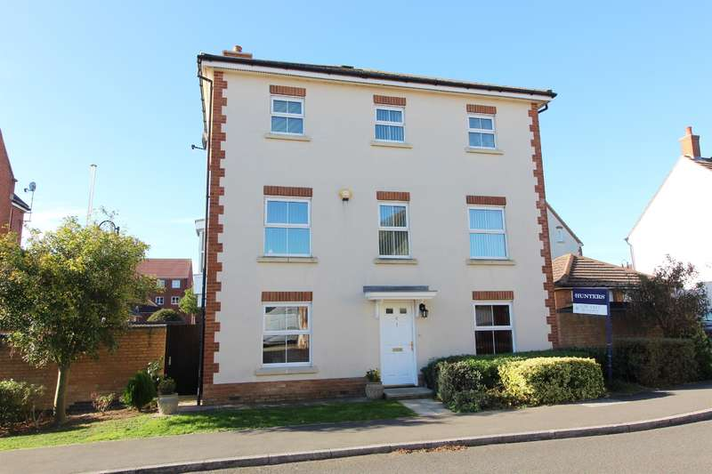5 Bedrooms Detached House for sale in Romney Point, Ashford, Kent, TN23 3GD
