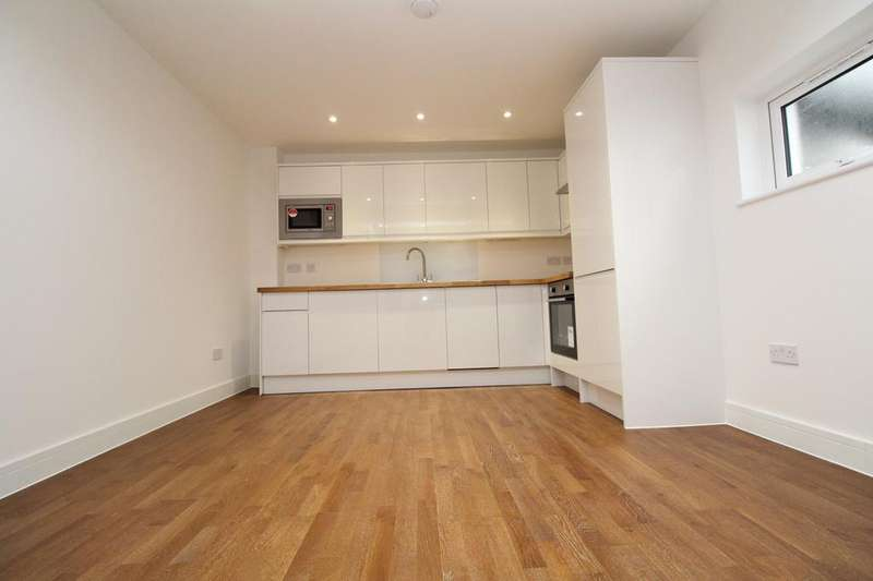 1 Bedroom Flat for sale in Brownhill Road, Catford, SE6