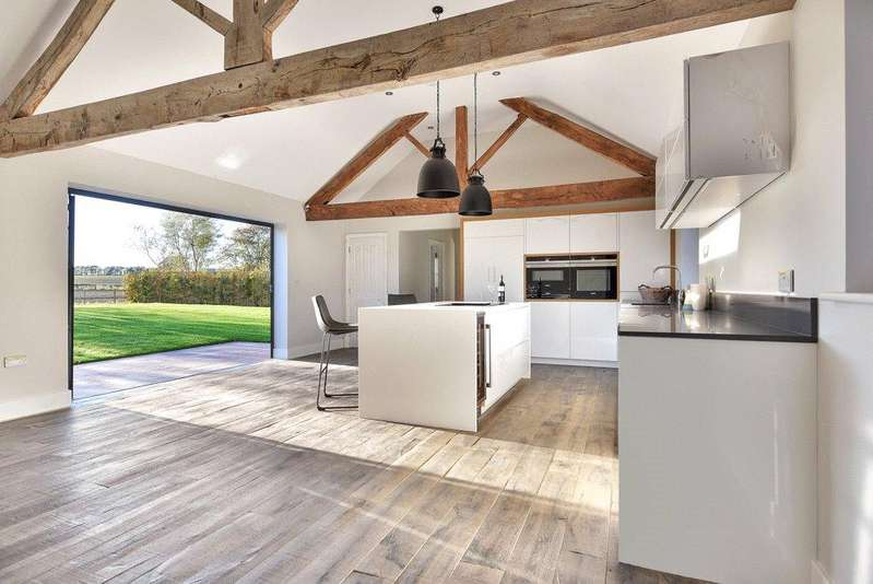 5 Bedrooms Detached House for sale in Field Barn, 15 Drayton Road, MEDBOURNE