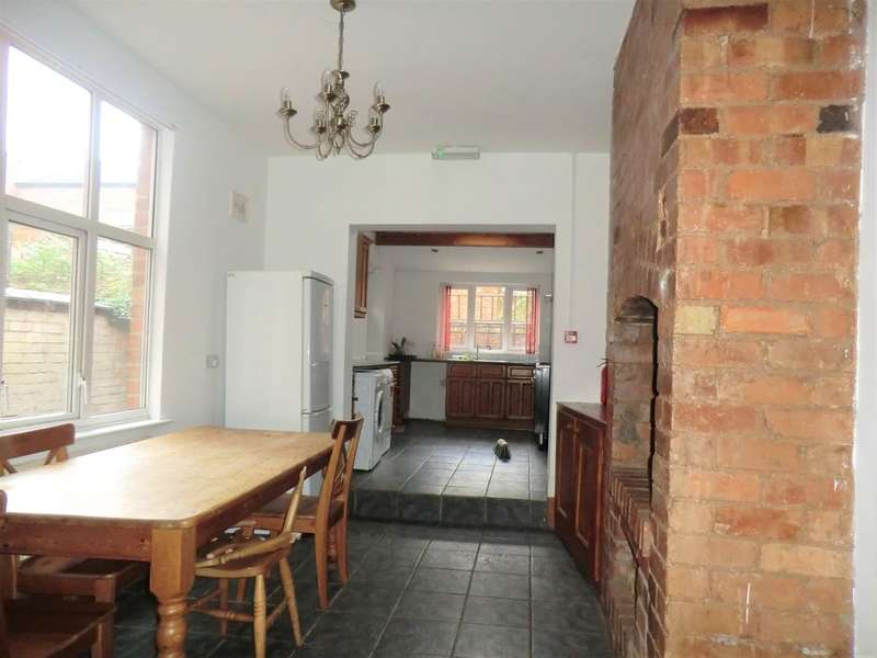 4 Bedrooms Terraced House for sale in Melville Road, Spon End