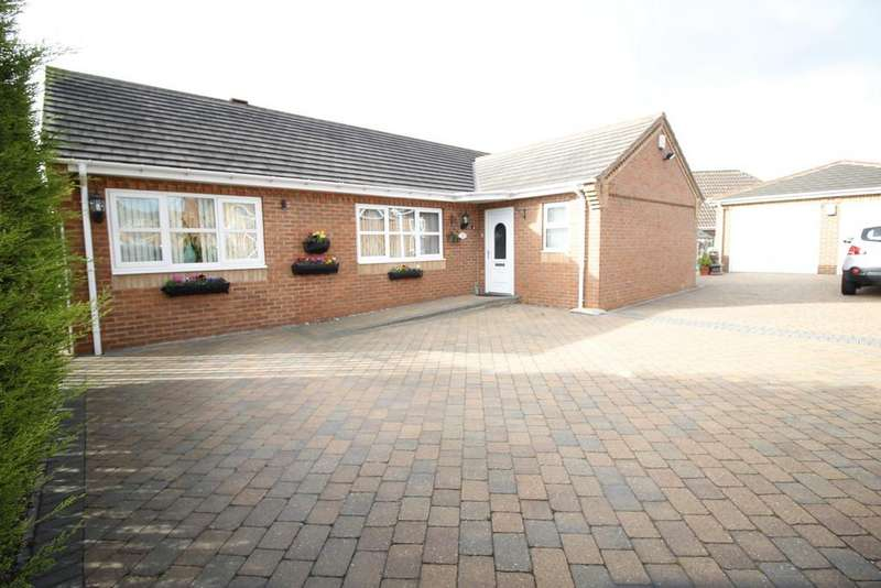 4 Bedrooms Detached Bungalow for sale in Aire Valley Mount, Castleford