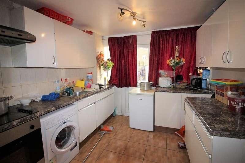 3 Bedrooms Terraced House for sale in Wivenhoe Road, Barking, Essex, IG11