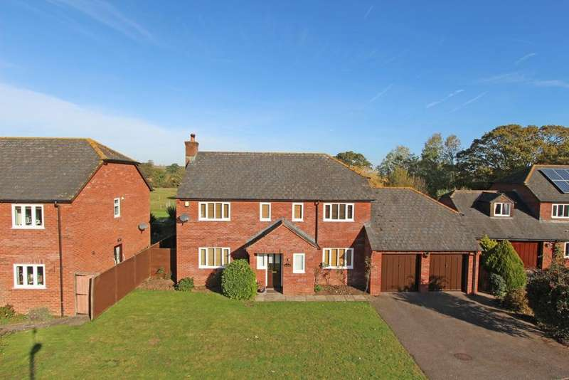 4 Bedrooms Detached House for sale in Trumps Orchard, Cullompton, EX15