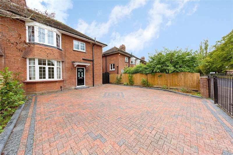 3 Bedrooms Semi Detached House for sale in Sandford Road, Chelmsford, Essex, CM2