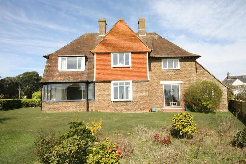 5 Bedrooms Detached House for sale in Richmond Avenue, Bexhill on Sea, TN39