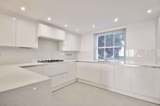 4 Bedrooms Semi Detached House for rent in Heathfield Terrace, London