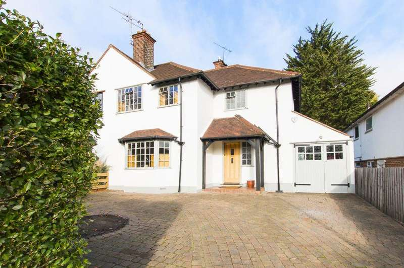 3 Bedrooms Semi Detached House for sale in Russell Road, Buckhurst Hill, IG9