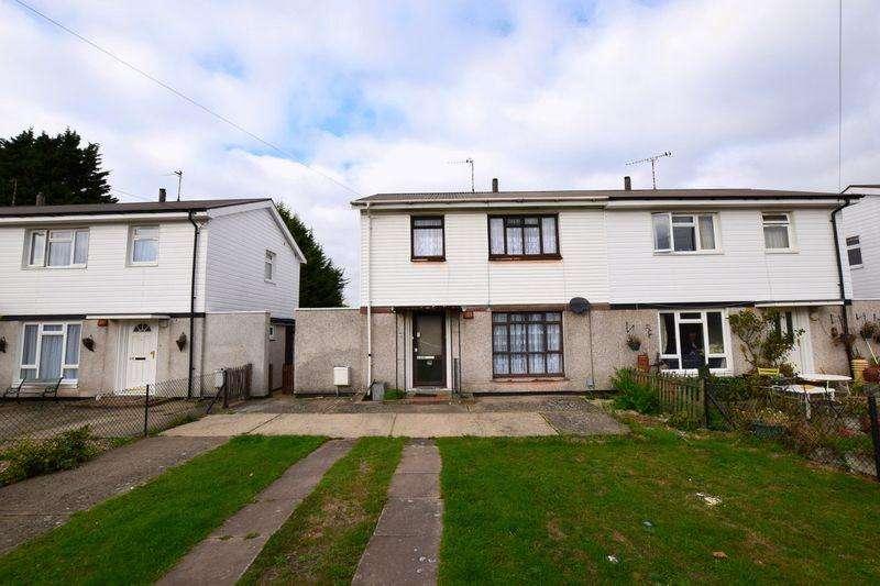 3 Bedrooms Semi Detached House for sale in Prebendal Avenue, Aylesbury