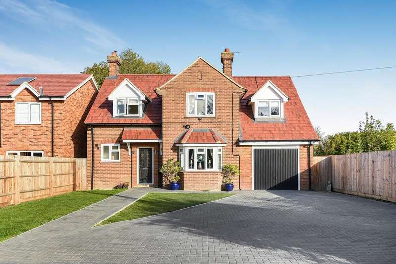4 Bedrooms Detached House for sale in Biggleswade Road, DUNTON, SG18