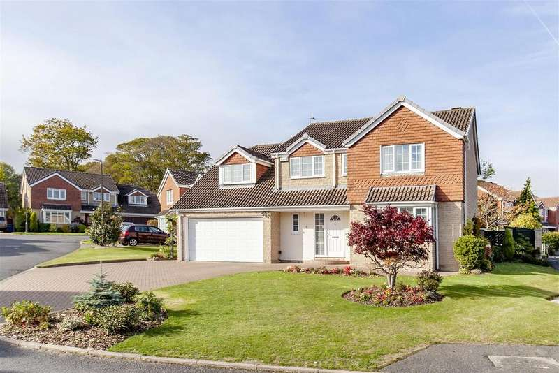 5 Bedrooms Detached House for sale in Fairfield Court, Ashgate