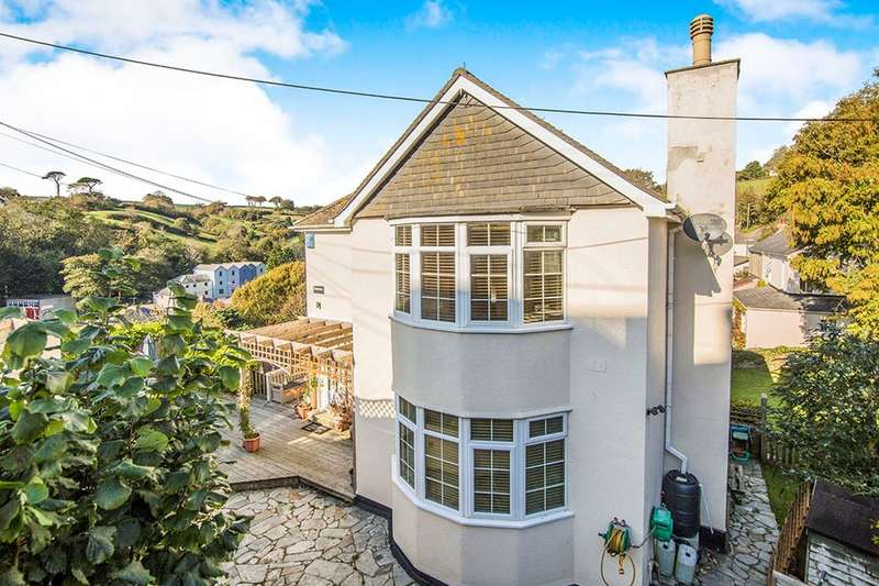 3 Bedrooms Detached House for sale in School Hill, Mevagissey, St. Austell, PL26